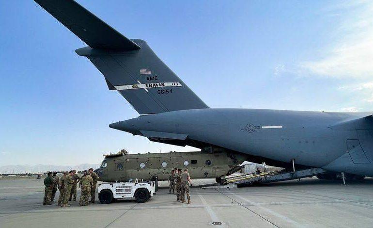 L'armée américaine a détruit des avions et des blindés avant de quitter Kaboul