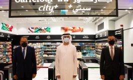 Carrefour a ouvert son premier magasin sans caisse à Dubaï où 97 caméras surveillent chaque client