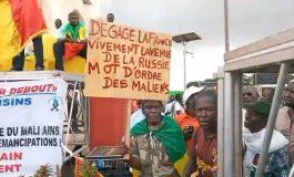 Des milliers de Maliens manifestent à Bamako pour apporter leur soutien au gouvernement de transition