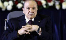 Abdelaziz Bouteflika, un accro du pouvoir finalement chassé par la rue