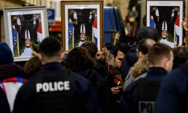 La Cour de Cassation française  estime que décrocher un portrait présidentiel pourrait relever de la liberté d'expression