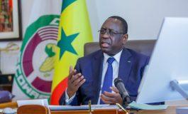 Excellence, Monsieur le Président de la République, de grâce, dissolvez cette Assemblée Nationale !
